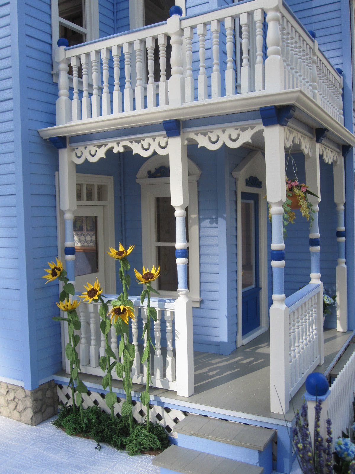 Dollhouses by robin carey the glenview drive blue for Blue and white house