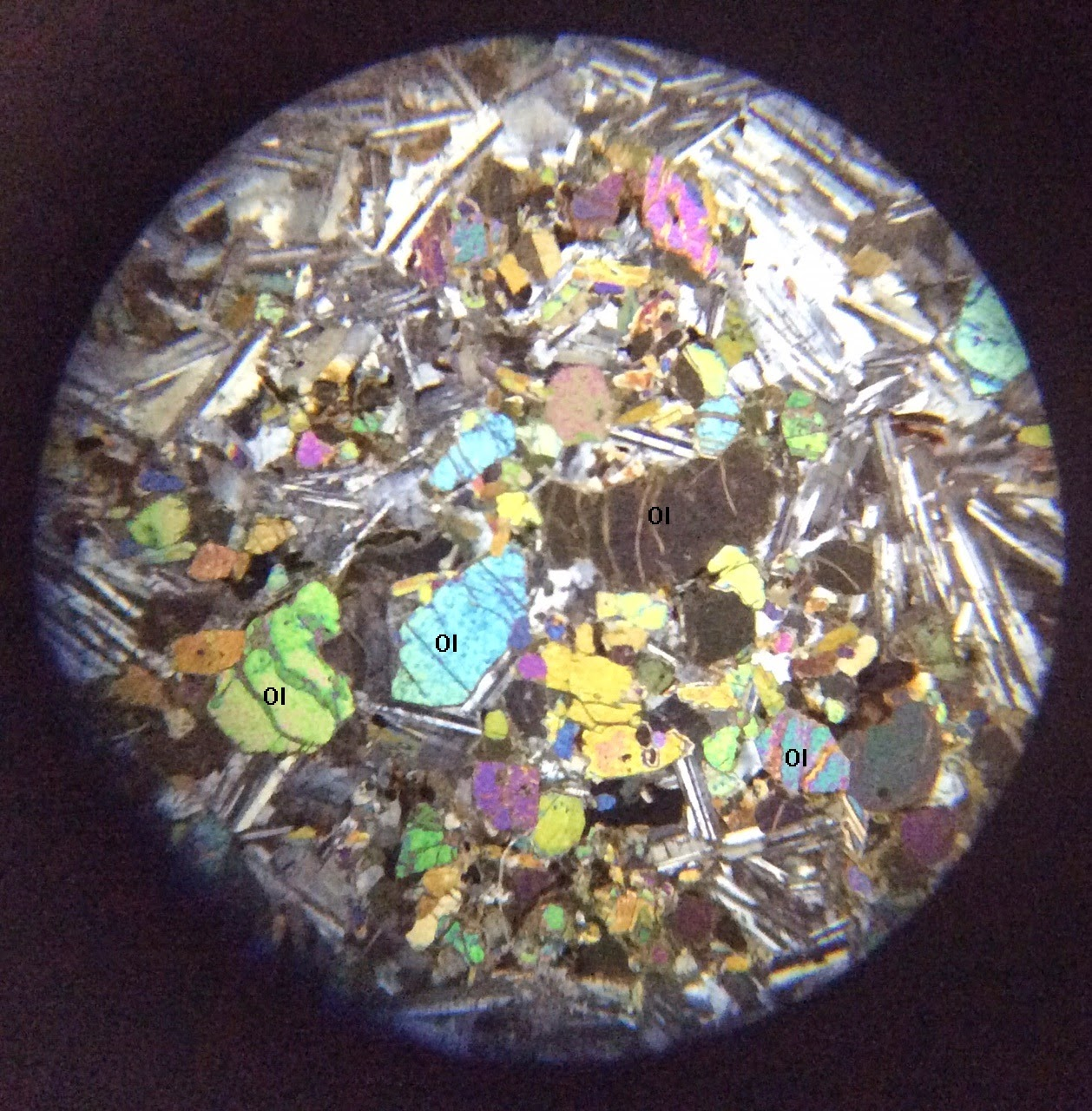 Olivine  thin section in XPL