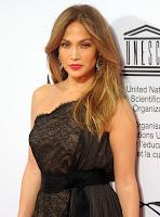 Jennifer Lopez  wearing pink lipstick