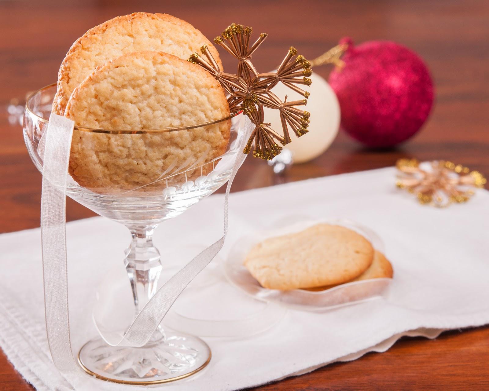 Бадемови бисквити с лимон