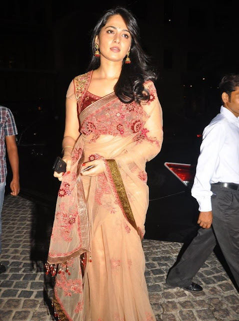Anushka Shetty in Filmfare Awards function in Velvet Transparent Saree