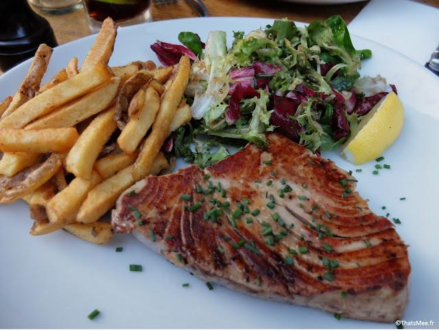 frites maison pièce de thon mariné à la plancha salade mesclun resto Maison Mère Paris 9ème