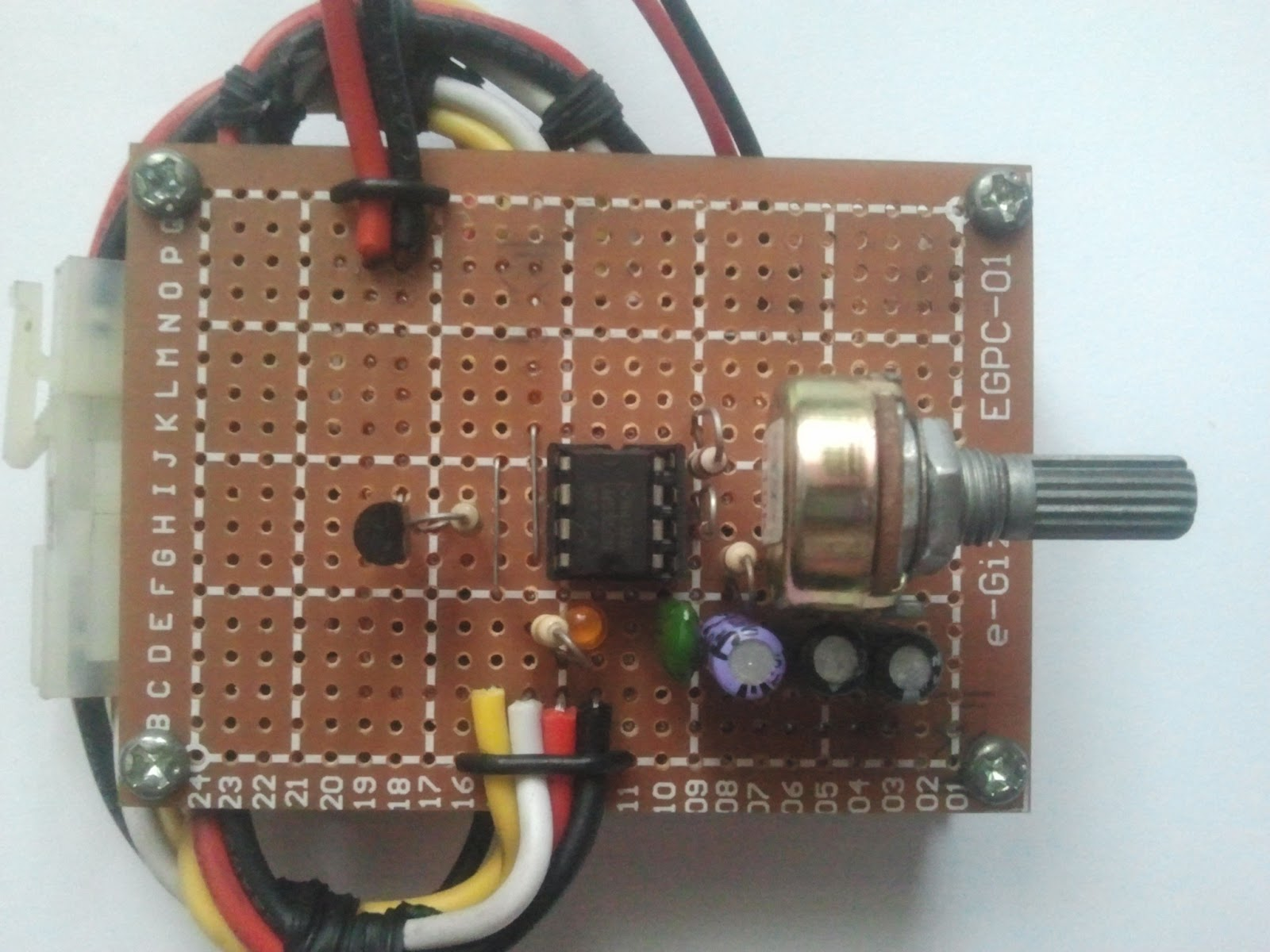 Mobotgeek Alitaptap A Strobe Light Controller For Motorcycle Led After Making The On Perforated Board Place Everything In Complete Device Which Is Composed Of Voltage Doubler From Http Electroschematicscom And Strip