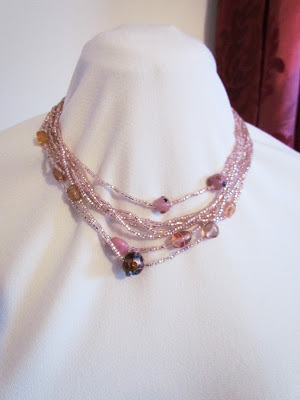 Beaded jewellery, beaded necklace, easy beading, pink beaded necklace, DIY beaded necklace