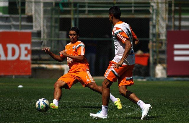 Jean espera conter o bom – mas desfalcado – meio-campo do Corinthians (foto: Nelson Perez/Fluminense FC)