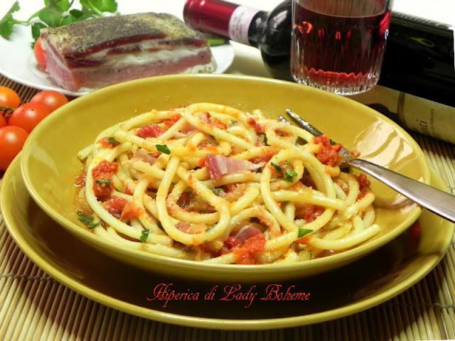 hiperica_lady_boheme_blog_di_cucina_ricette_gustose_facili_veloci_bucatini_amatriciana_3