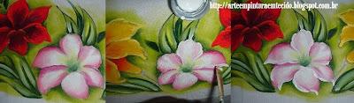 pintura em tecido lírios