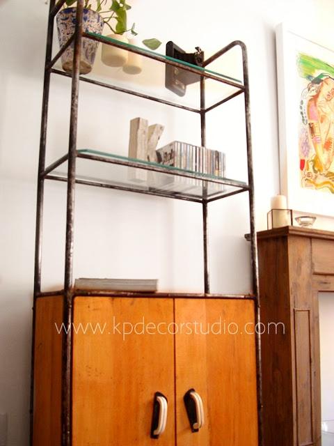 Venta de mobiliario industrial antiguo estilo vintage en valencia. Estanterías antiguas