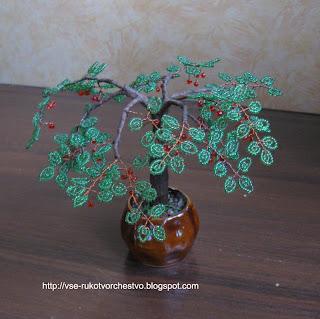 Дерево спелая вишня из бисера
