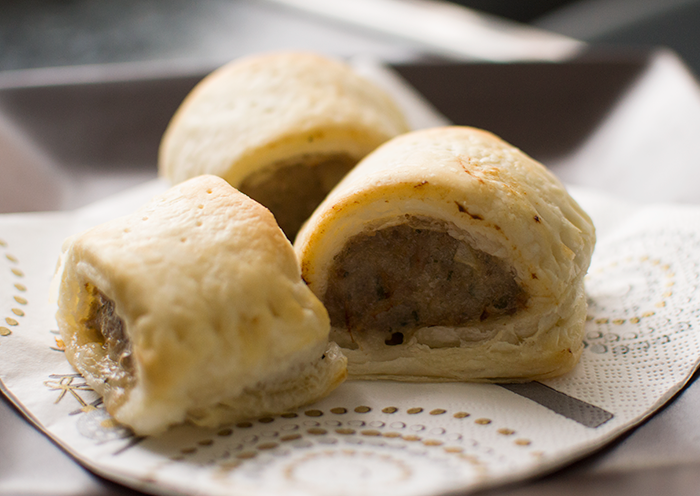 GARLIC AND PARSLEY SAUSAGE ROLLS RECIPE