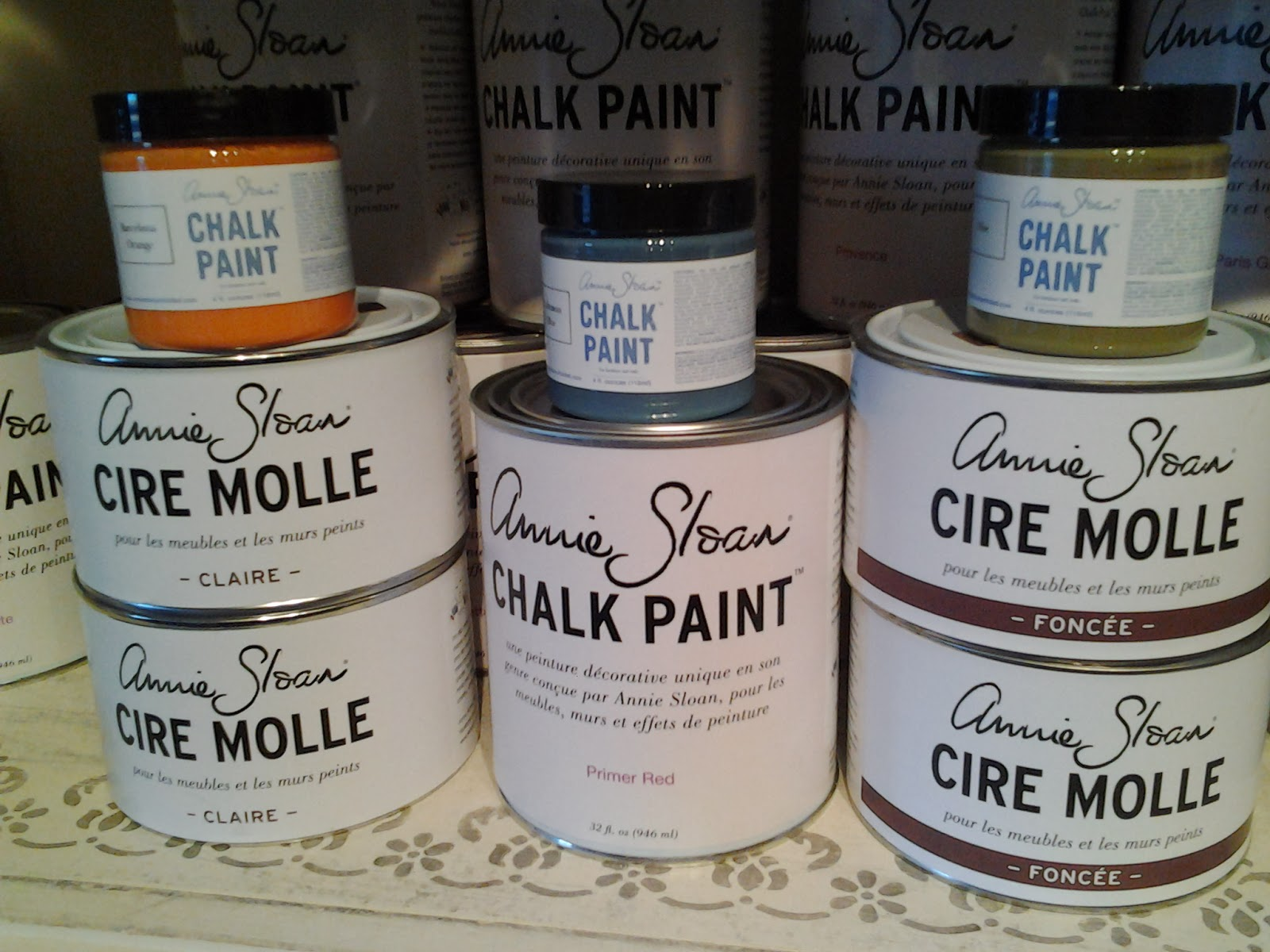 peinture chalk paint d 39 annie sloan chalk paint est vendu chez peintre de l illusion. Black Bedroom Furniture Sets. Home Design Ideas