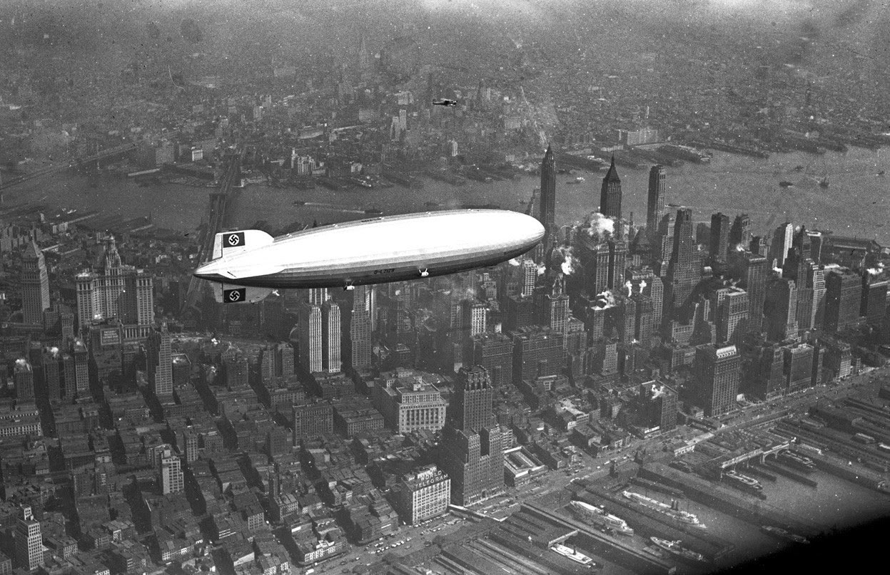 Ultimate Collection Of Rare Historical Photos. A Big Piece Of History (200 Pictures) - Hindenburg over Manhattan