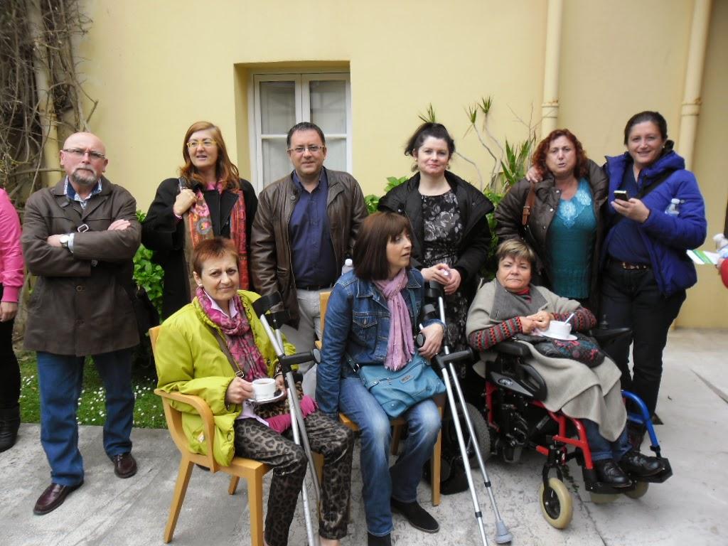 Representantes de distintas Asociaciones de afectados federadas en Cocemfe-Cantabria