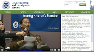 Above: A participant asks question at first USCIS national Vietnamese-language public engagement, called