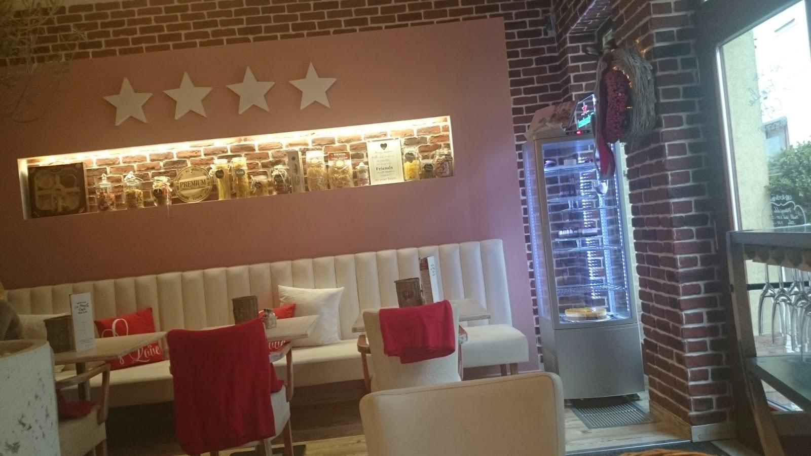 La Familia Café interiér