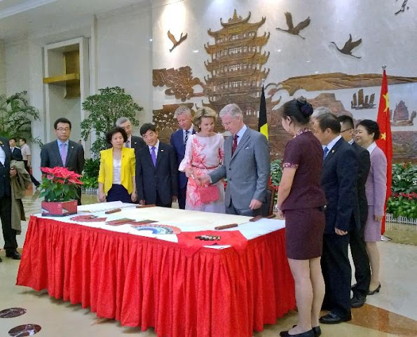 King Philippe and Queen Mathilde of Belgium visit the Wuhan Urban Planning Exhibition Hall