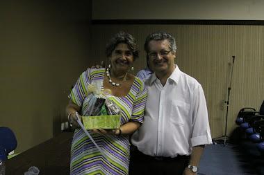 Ao lado da Profª Fátima Freire Dowbor