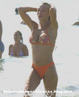 bikini joven belen esteban rojo cuerpazo playa