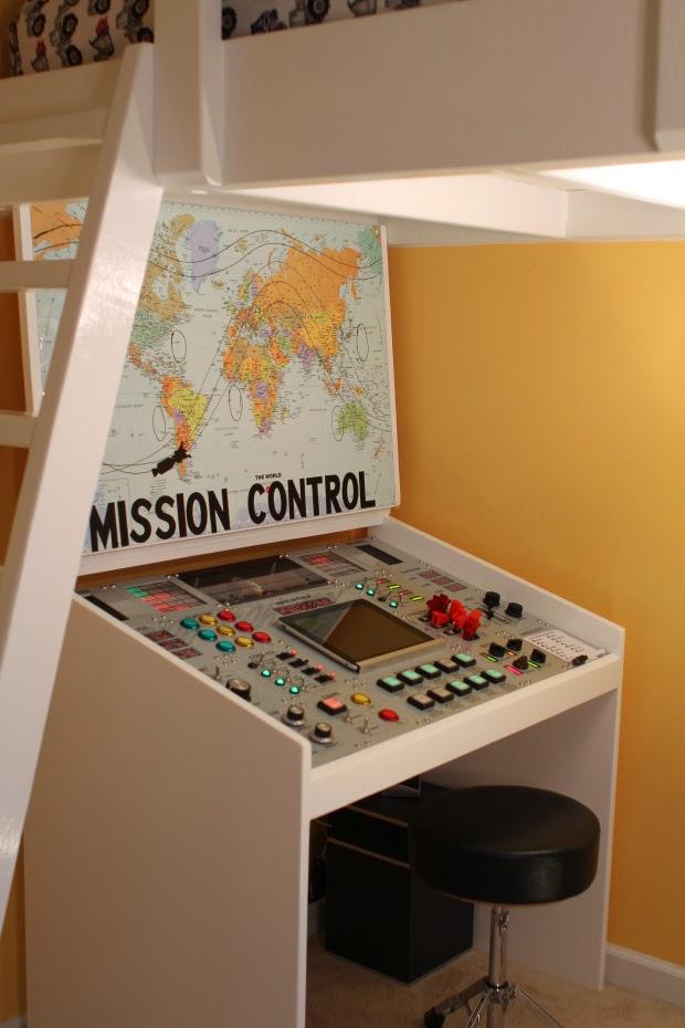 makezine mission controle desk