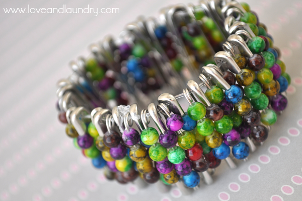 Kid craft safety pin and bead bracelet love and laundry for Safety pin and bead crafts