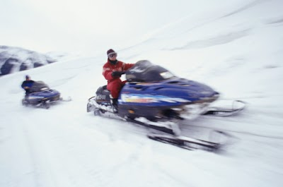 Illinois DNR reminds snowmobile operators to practice safety this winter