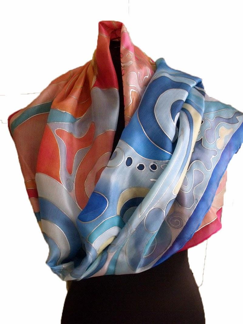 Ajándék tanároknak, óvónőknek ballagásra, évzáróra: kézzel festett selyem sálak, kendők. Felirattal is kérhető egyedi ajándék.