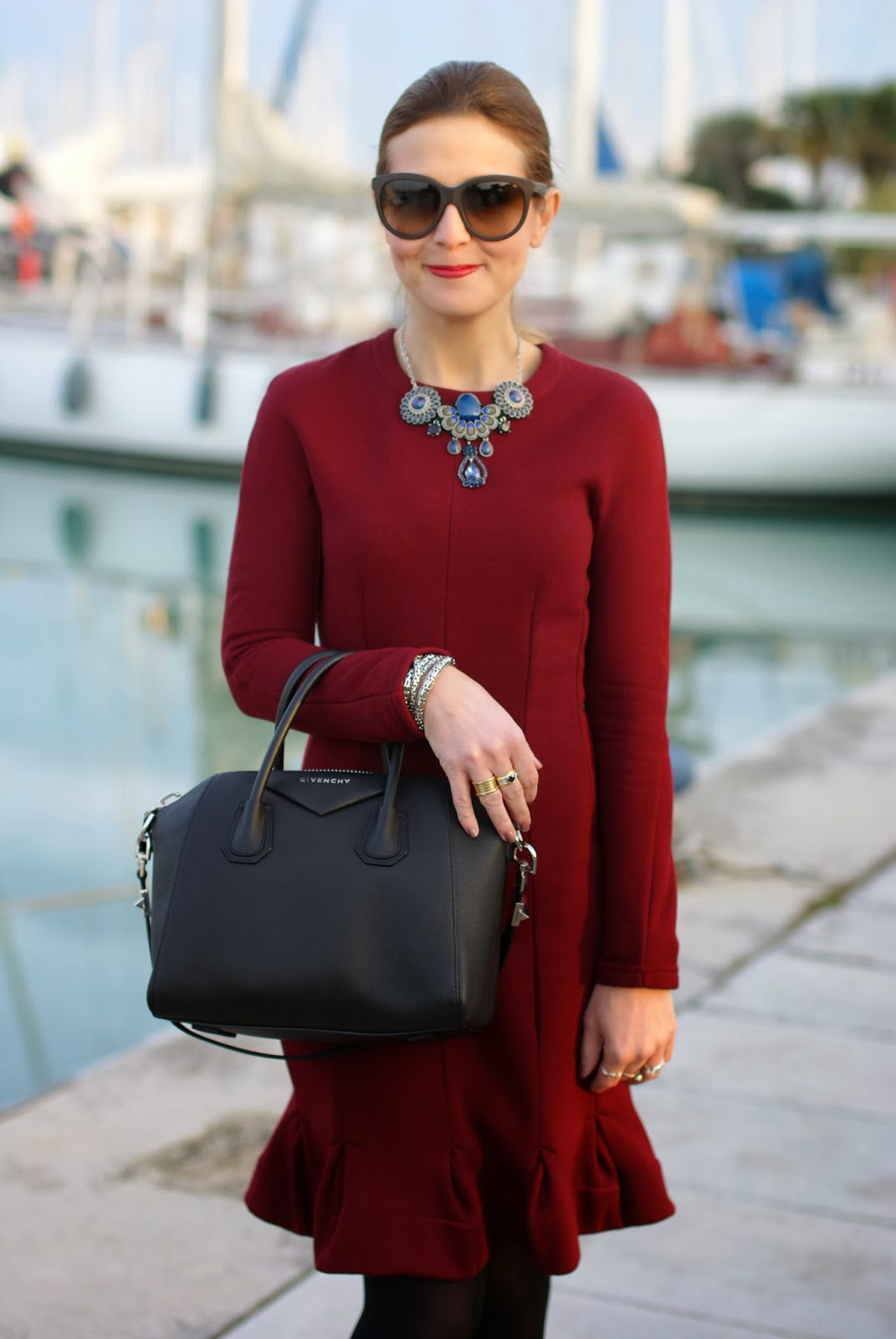 flaunt your curves dress, Carven burgundy dress, Givenchy Antigona bag, Fashion and Cookies, fashion blogger