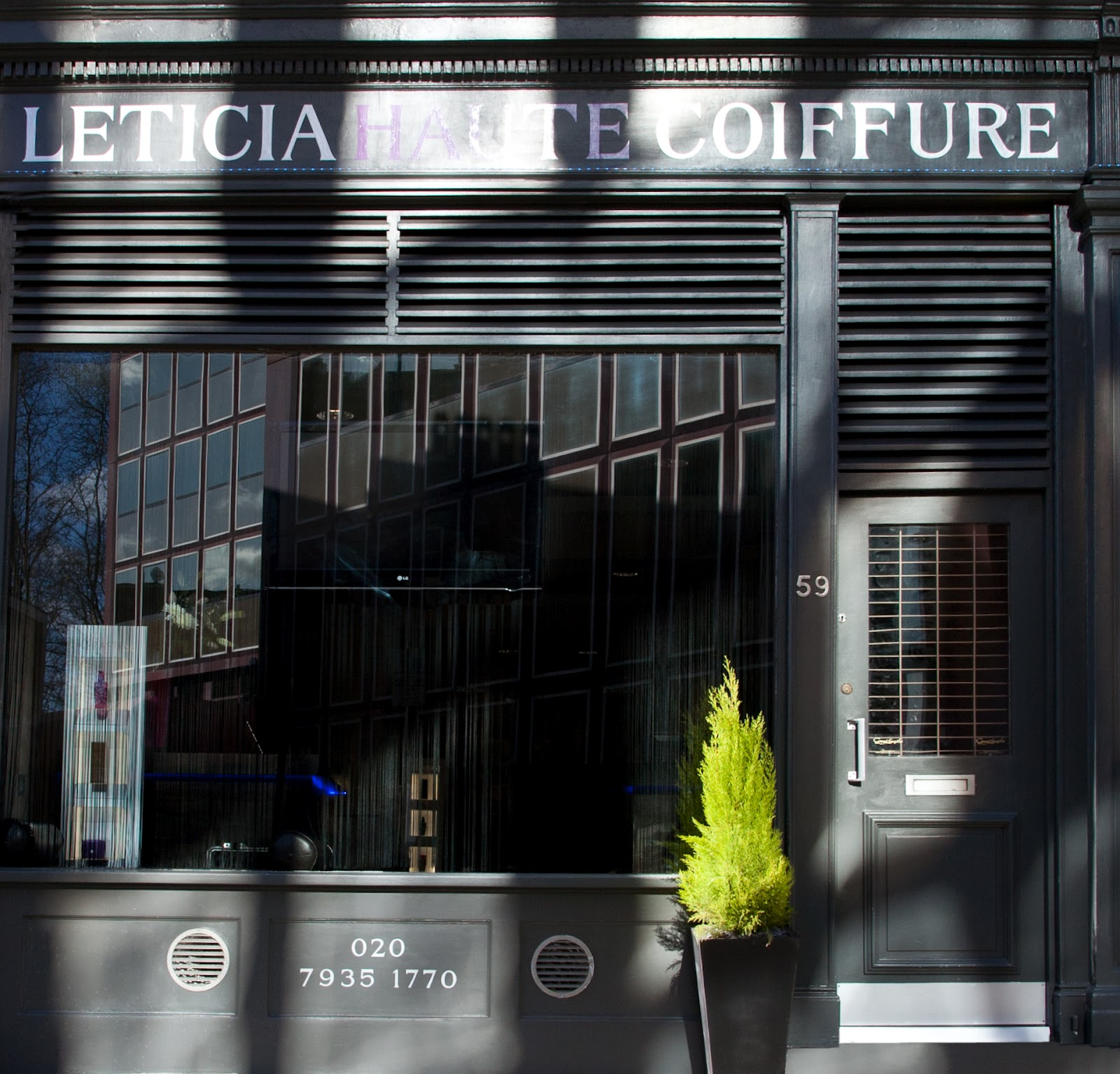 Coiffeur paris 18 ouvert dimanche photos coupe de cheveux for Salon de coiffure paris 18