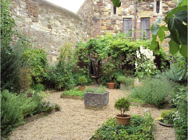 Brigitte: Time for Herb Gardening