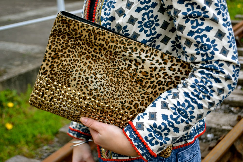 print jacket; leopard clutch