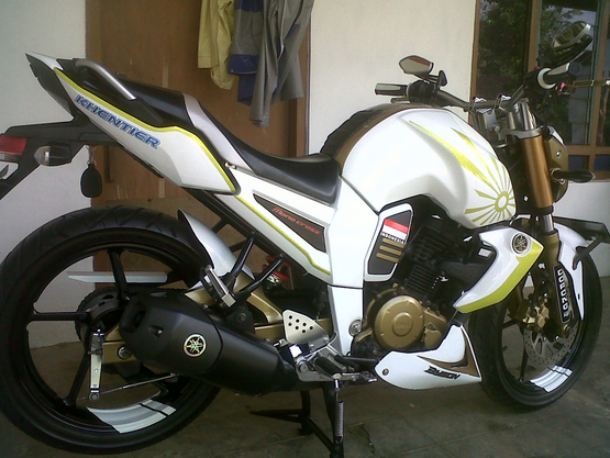Cutting Sticker Yamaha Byson