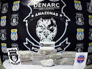 Policiais do Denarc encontram 56 kg de cocaína avaliados em R$ 600 mil em carro abandonado no bairro Flores