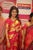 Samantha glamorous photos in saree-thumbnail-7