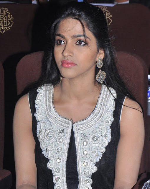 Cute Dhansika Photos in Sleeveless Black Dress @ Fashionable Diva