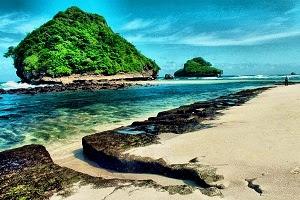 5 Tempat Wisata Pantai Malang Paling Indah