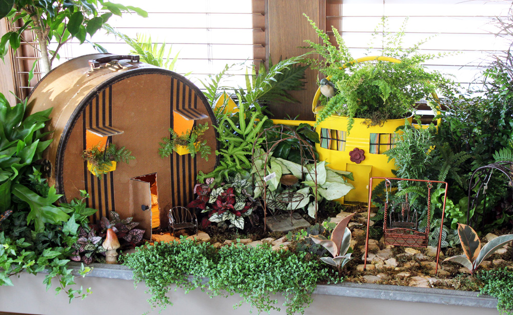 More from the 2013 bachman 39 s spring ideas house part two for Indoor mini garden ideas