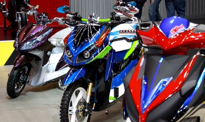 ide modifikasi warna cat motor matic