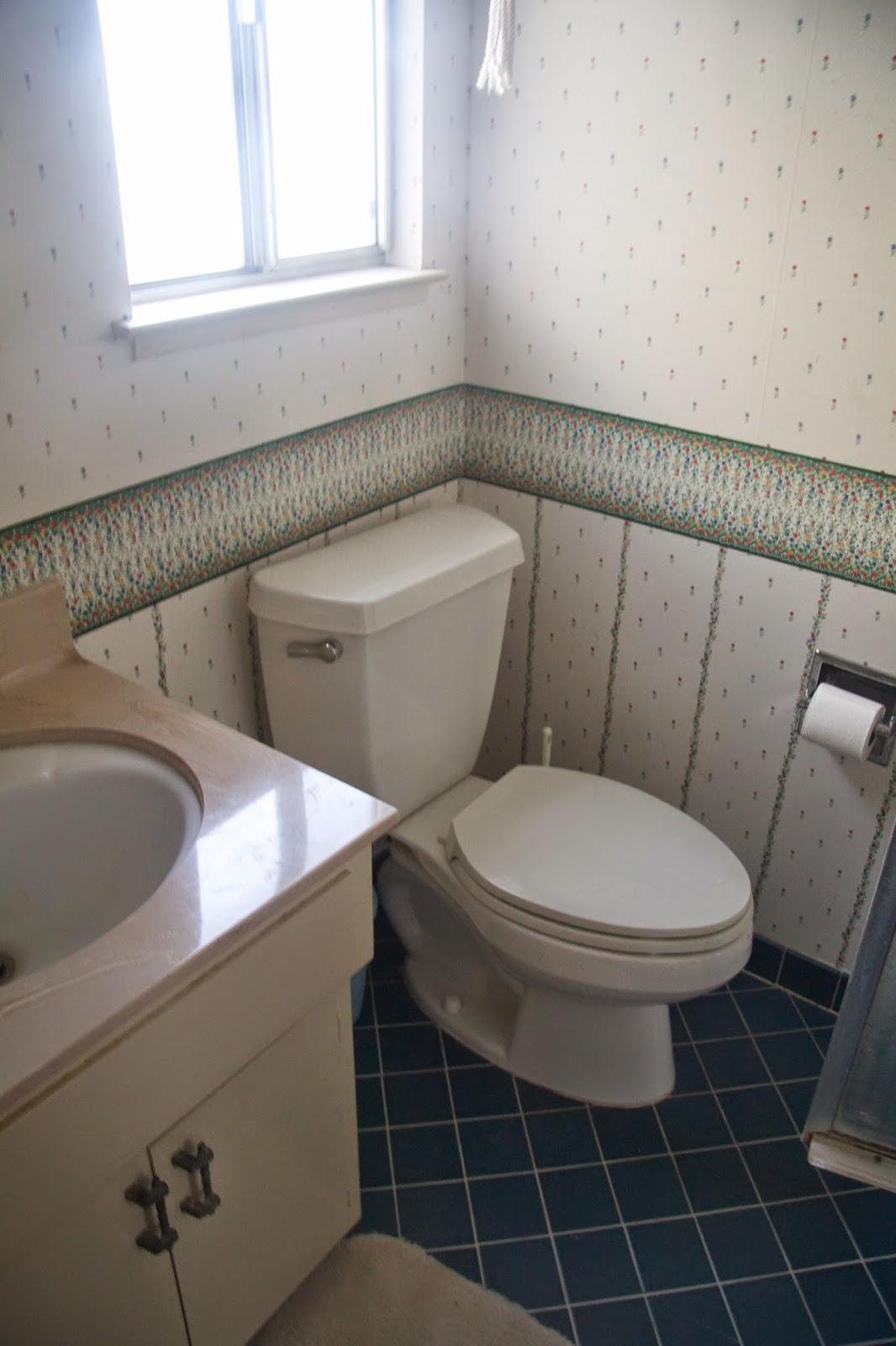 best way to remove wallpaper vinegar