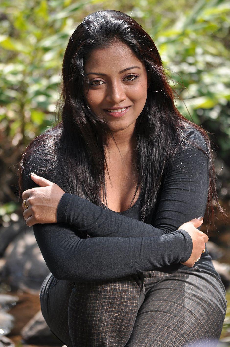 nude.com Fb actress