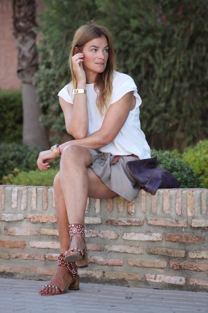 Camisa Mango , sandalias Isabel Marant , Pulsera Mango , Short Berriz Donostia ,Lucía Díez , Es cuestion de estilo