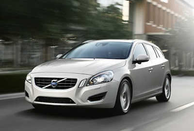 2011-Volvo-V60-Executive-Car-Turing