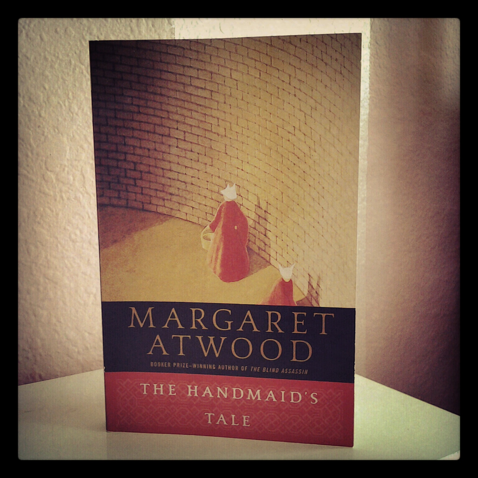 a review of atwoods the handmaids tail
