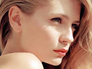 Cute Hollywood Actress