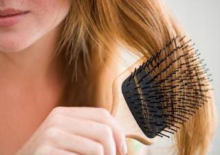 शुष्क बालों की सफाई