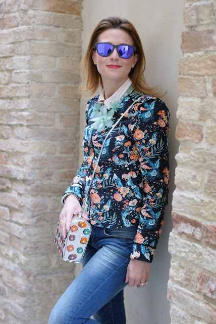 Pull & Bear floral jacket, Oakley sunglasses,  Angela Frascone bag, Fashion and Cookies