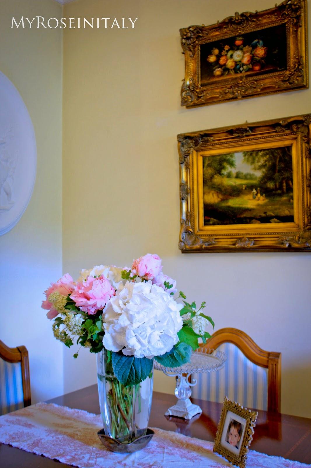 Invece Nel Mio Appartamento Il Tavolo Da Pranzo Con Quattro Di  #C17F07 1066 1600 Sala Da Pranzo E Salone