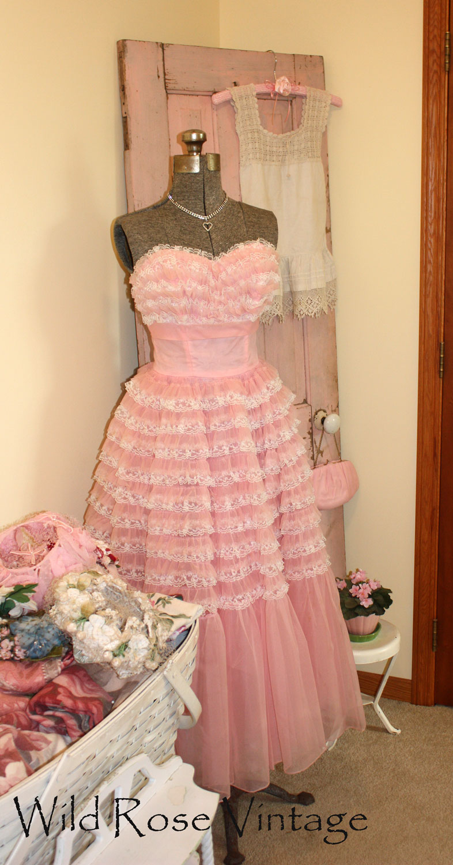 Wild Rose Vintage: Vintage pink door and prom dress...