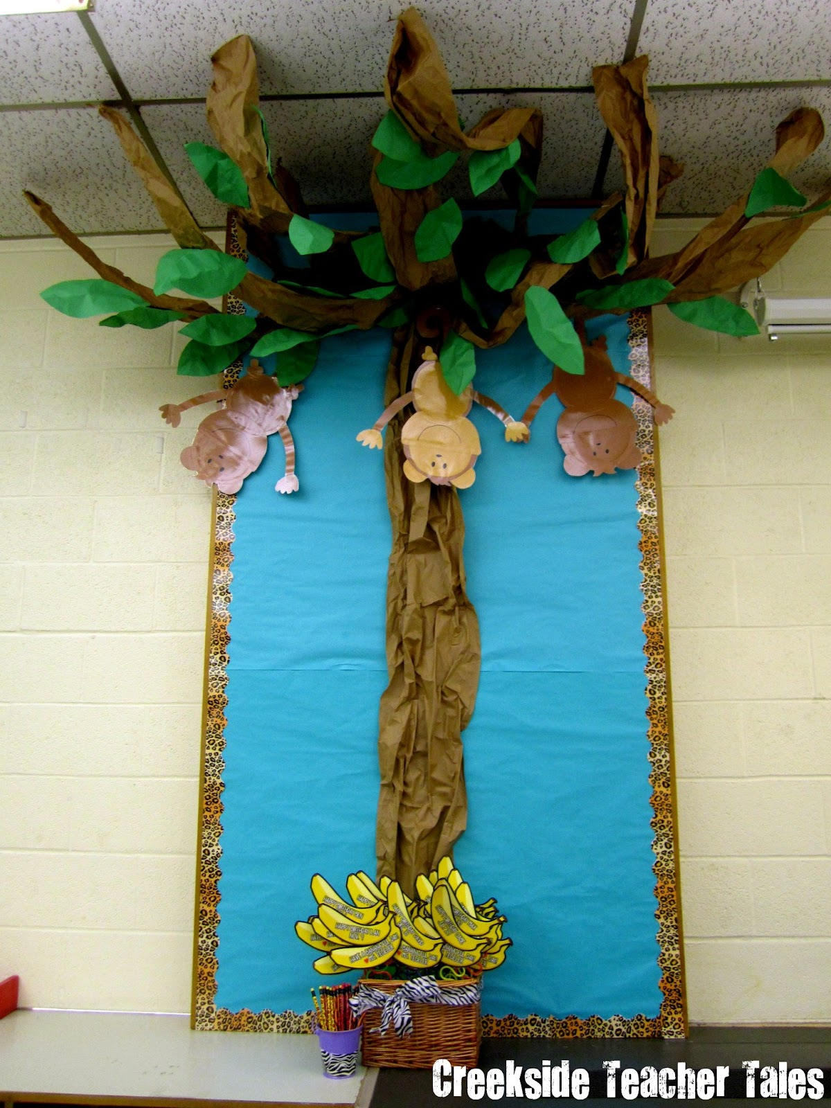 Classroom Decor Jungle ~ Freebie made it monday creekside teacher tales