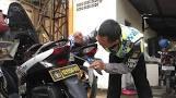 Polisi aiptu taspirin,penolong warga,Polisi Sumbang Bensin, Jika Bensin tak cukup