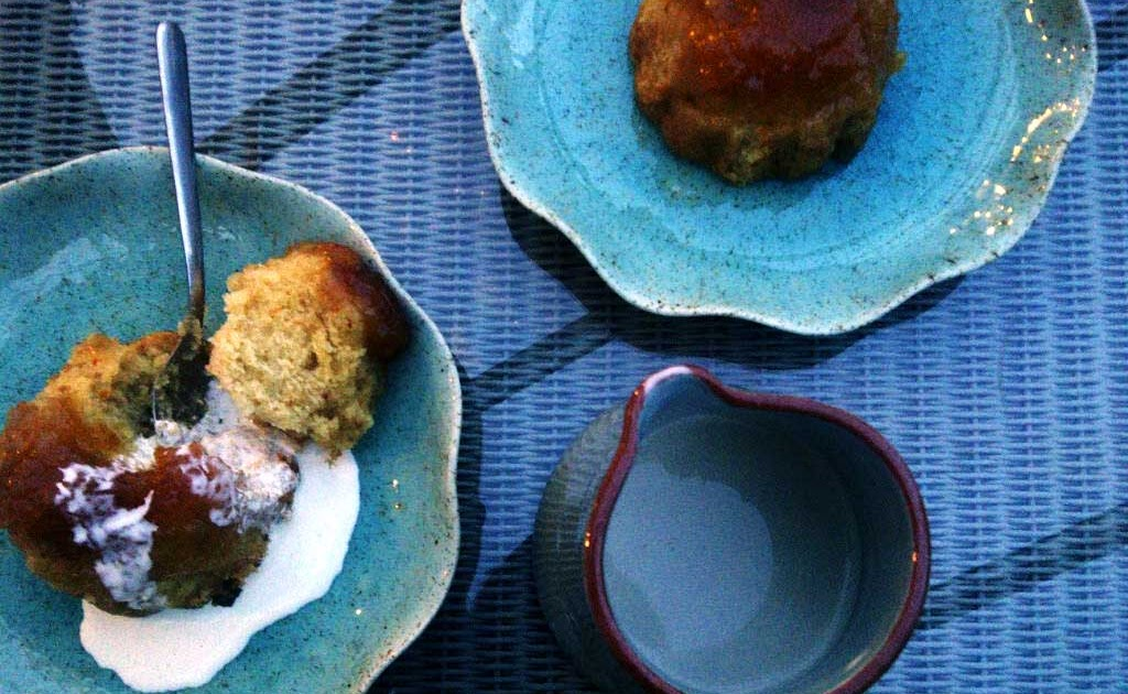 A cup of tea and cake apricot syrup sponge puddings for Treacle sponge pudding oven